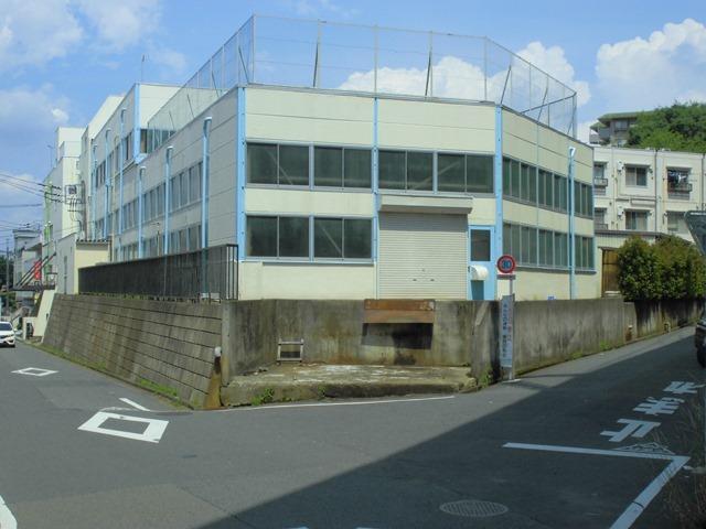 東浅川貸倉庫の外観写真