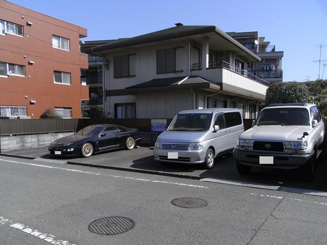 モナークハラ駐車場の写真